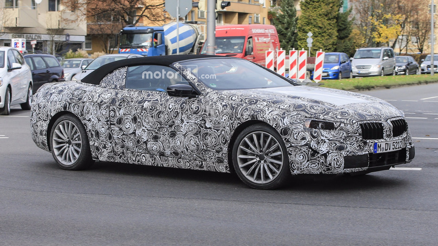 Choose sides: BMW 6 or 8 Series coupe, convertible prototypes?