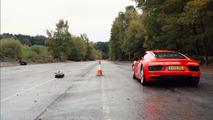 Audi R8 vs Miniatura