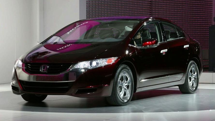 Honda FCX Clarity Unveiled in LA