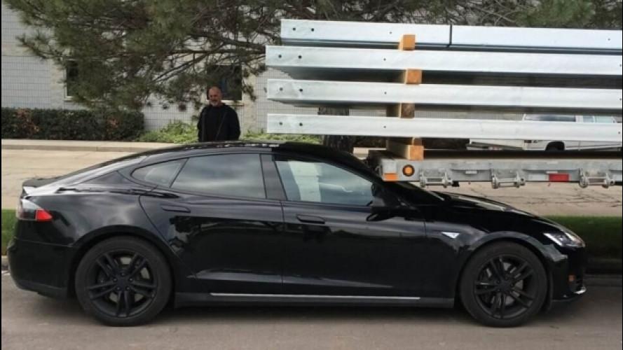 Tesla, aperta un'inchiesta sull'incidente mortale negli USA
