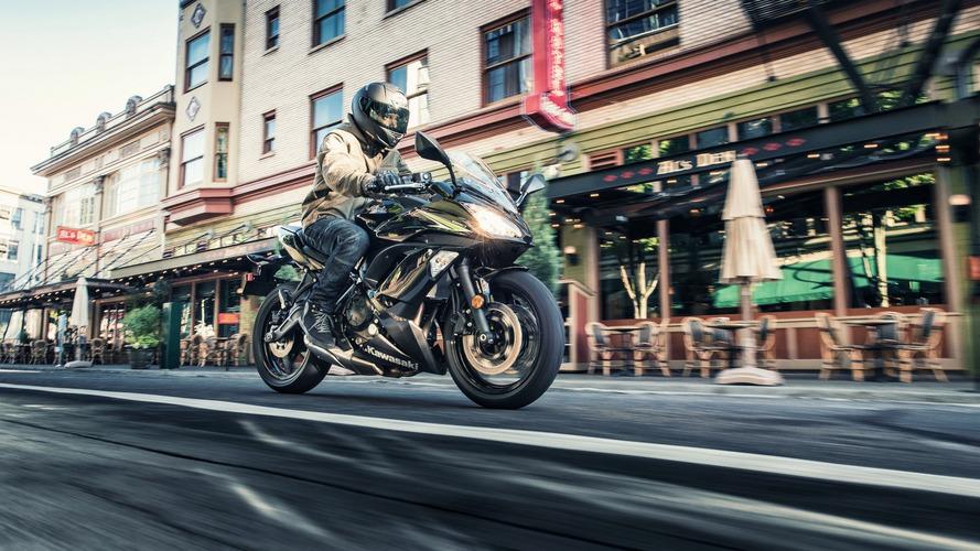 Kawasaki 2017 Ninja 650'nin örtüsünü kaldırdı