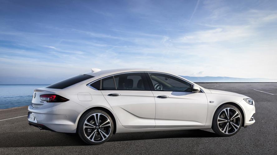 2017 Opel Insignia Grand Sport video tanıtımı