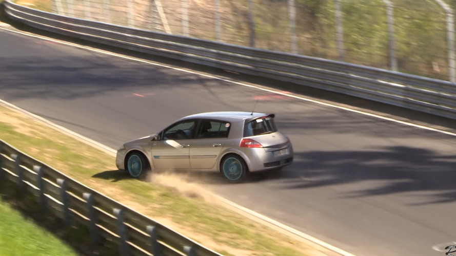 VIDÉO - Une Renault Mégane R.S. perd le contrôle au Nürburgring