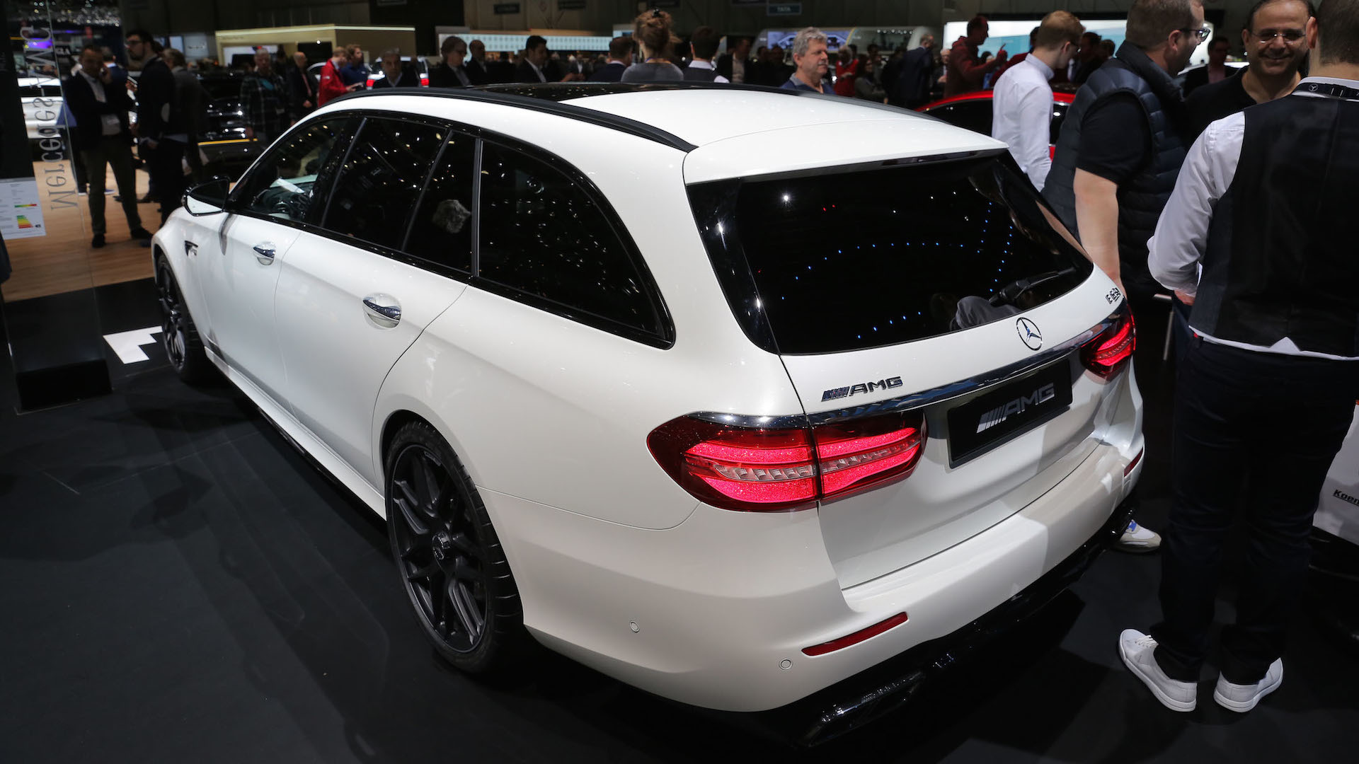 https://icdn-3.motor1.com/images/mgl/o7Gb0/s1/2018-mercedes-amg-e63-s-wagon.jpg