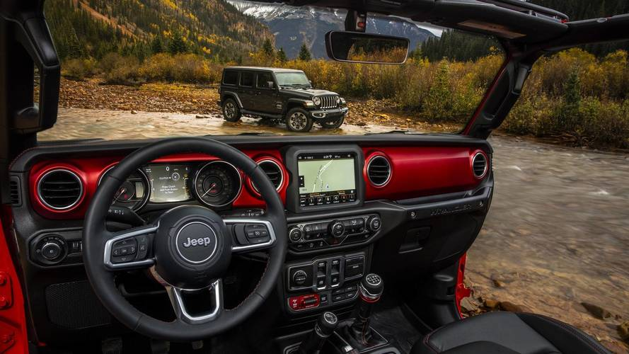 Primeras fotos del habitáculo del Jeep Wrangler 2018