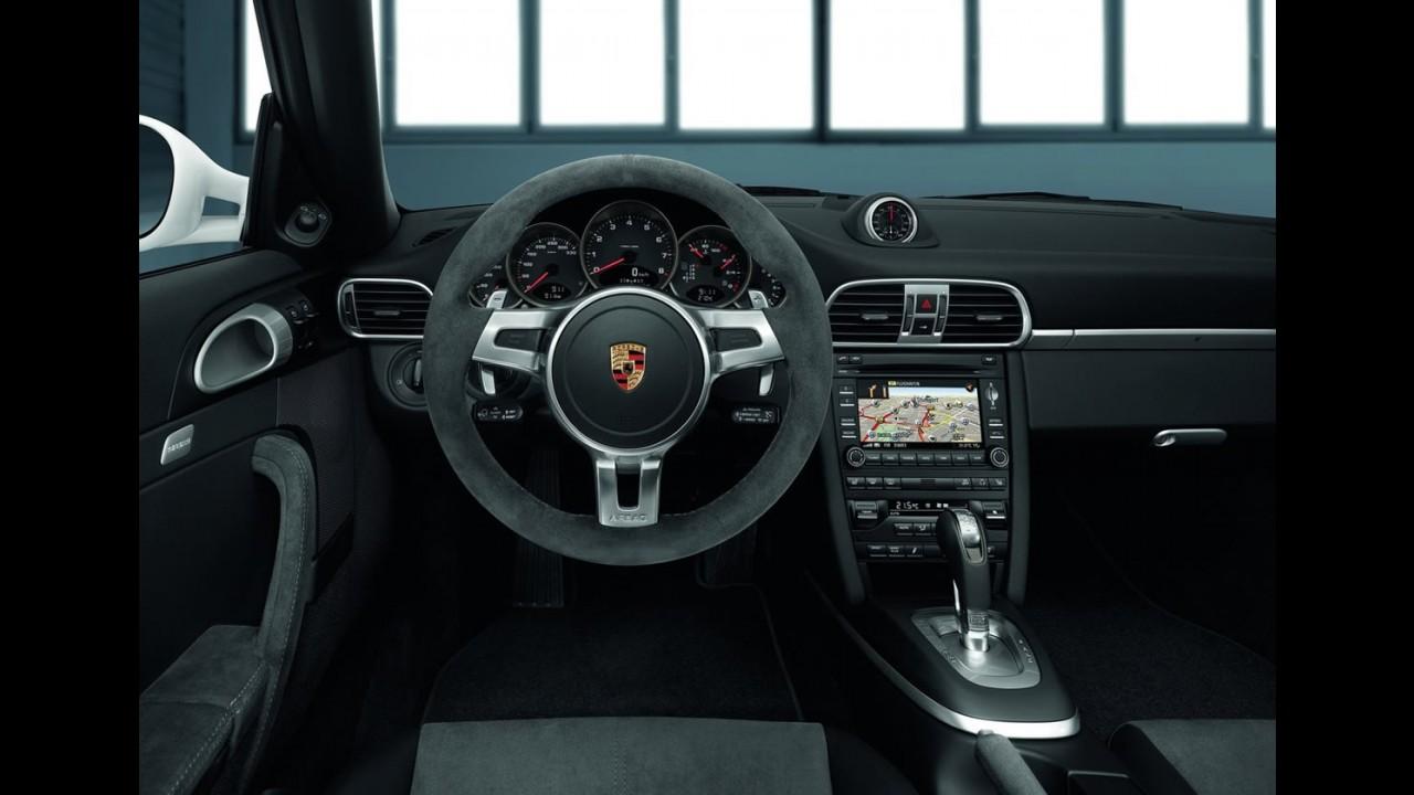Novo Porsche 911 Carrera GTS chega ao Brasil por R$ 580 mil