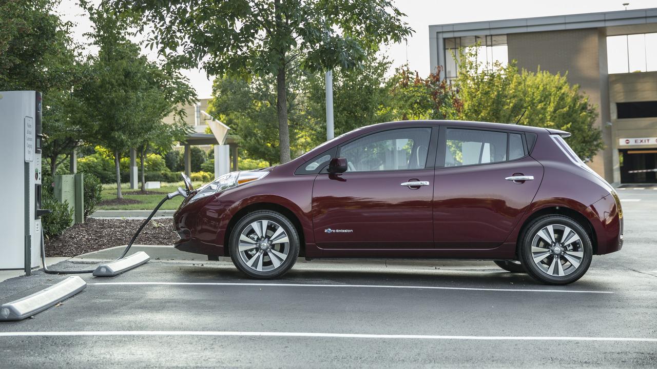 2016 Nissan Leaf charging