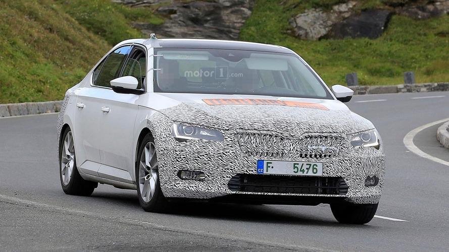 Škoda Superb restylée - Le prototype débusqué par nos photographes