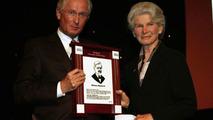 Prof. Jürgen Hubbert presents Maybach grand daugther Irmgard Schmid-Maybach