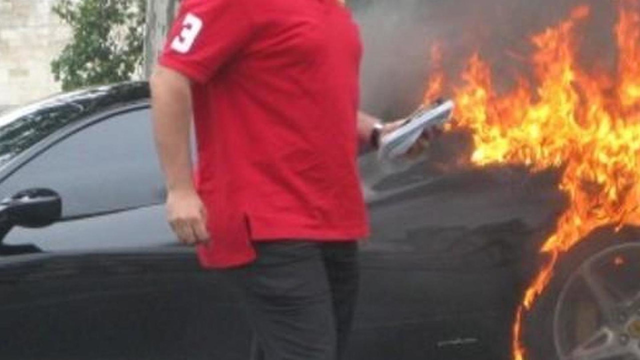 Partial photo of Ferrari 458 Italia on fire, 600, 19.07.2010