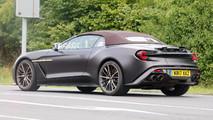 Aston Martin Vanquish Zagato Volante casus fotoğrafları