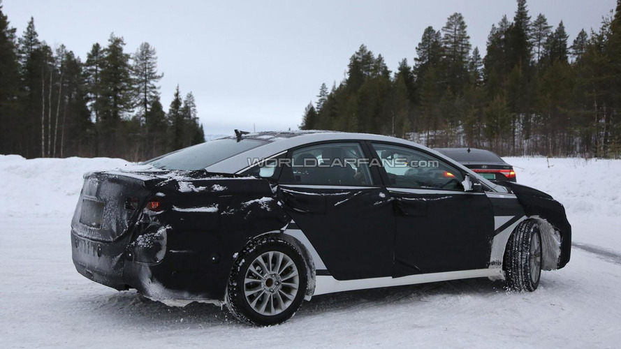 2015 Hyundai Sonata Hybrid spied inside & out
