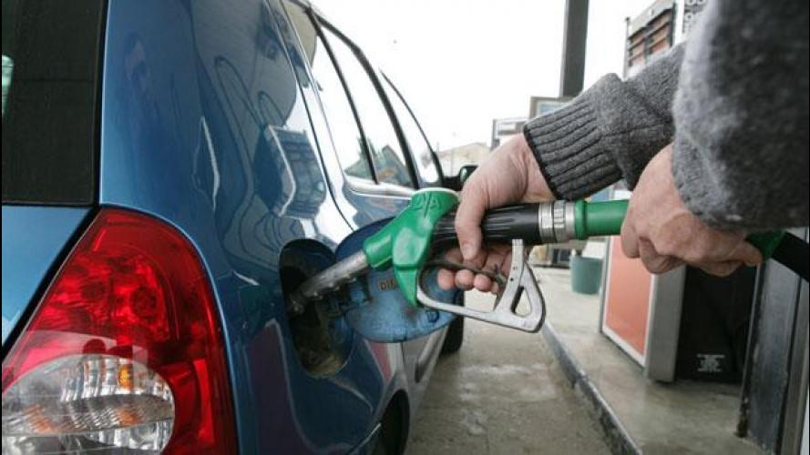 Miracolo benzina: leggeri ribassi