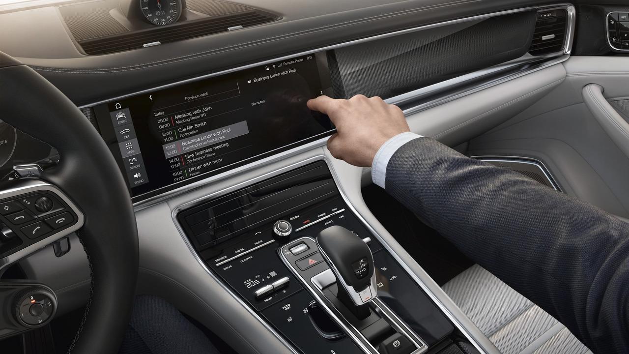 Porsche Communication Management in the 2017 Panamera
