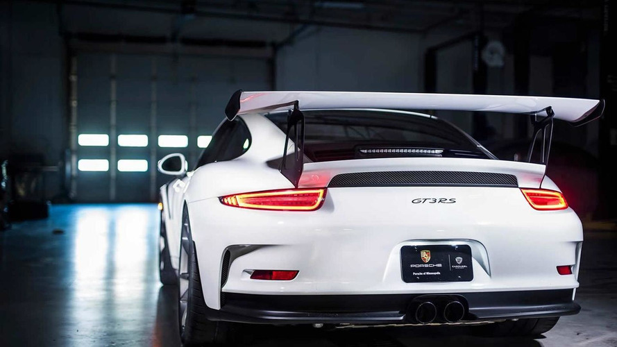 First US-spec Porsche 911 GT3 RS poses for the camera (16 pics)