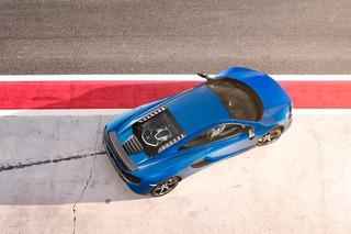 Deadmau5 Takes Darude out for Coffee in a McLaren Supercar