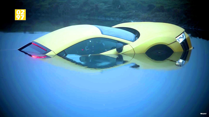 Audi R8 does its best yellow submarine impression