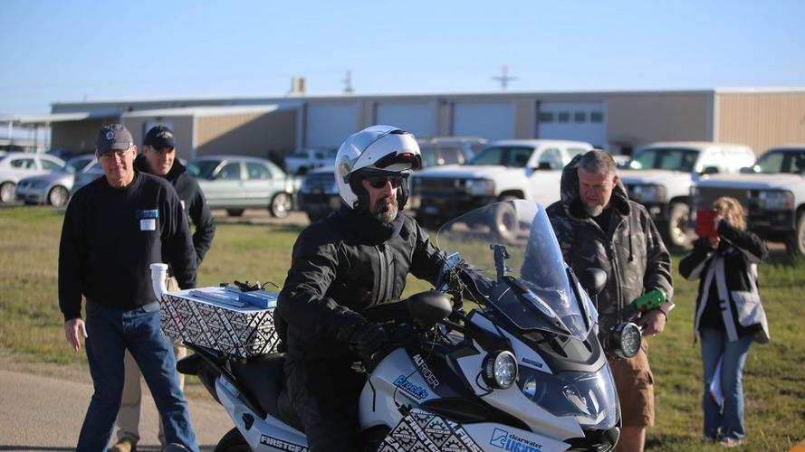 Carl Reese y Continental baten el récord de distancia en moto en 24 horas