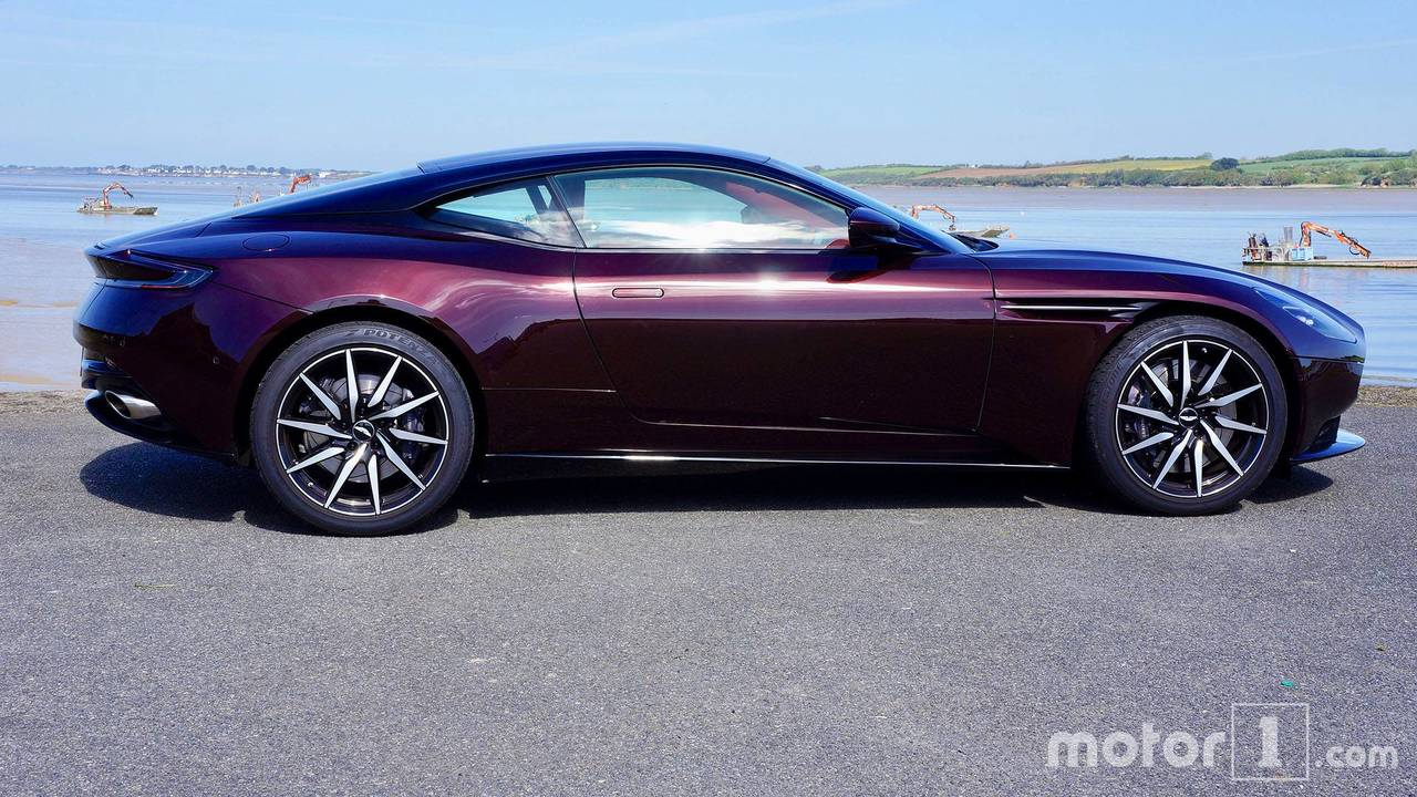 Essai Aston Martin DB11 V8