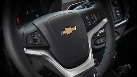 Chevrolet Spin 2019 terá bancos corrediços e acabamento mais refinado