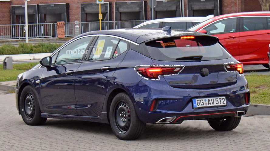 2018 Opel Astra GSi spy photo
