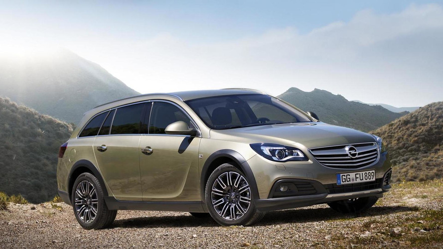 Opel Insignia Country Tourer breaks cover