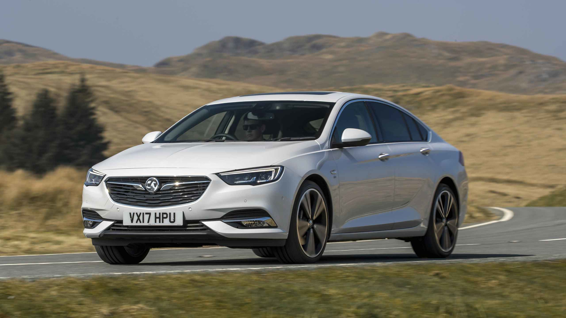 2017 vauxhall insignia grand sport first drive welcome. Black Bedroom Furniture Sets. Home Design Ideas