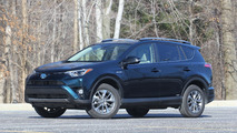 2017 Toyota RAV4 Hybrid: Review