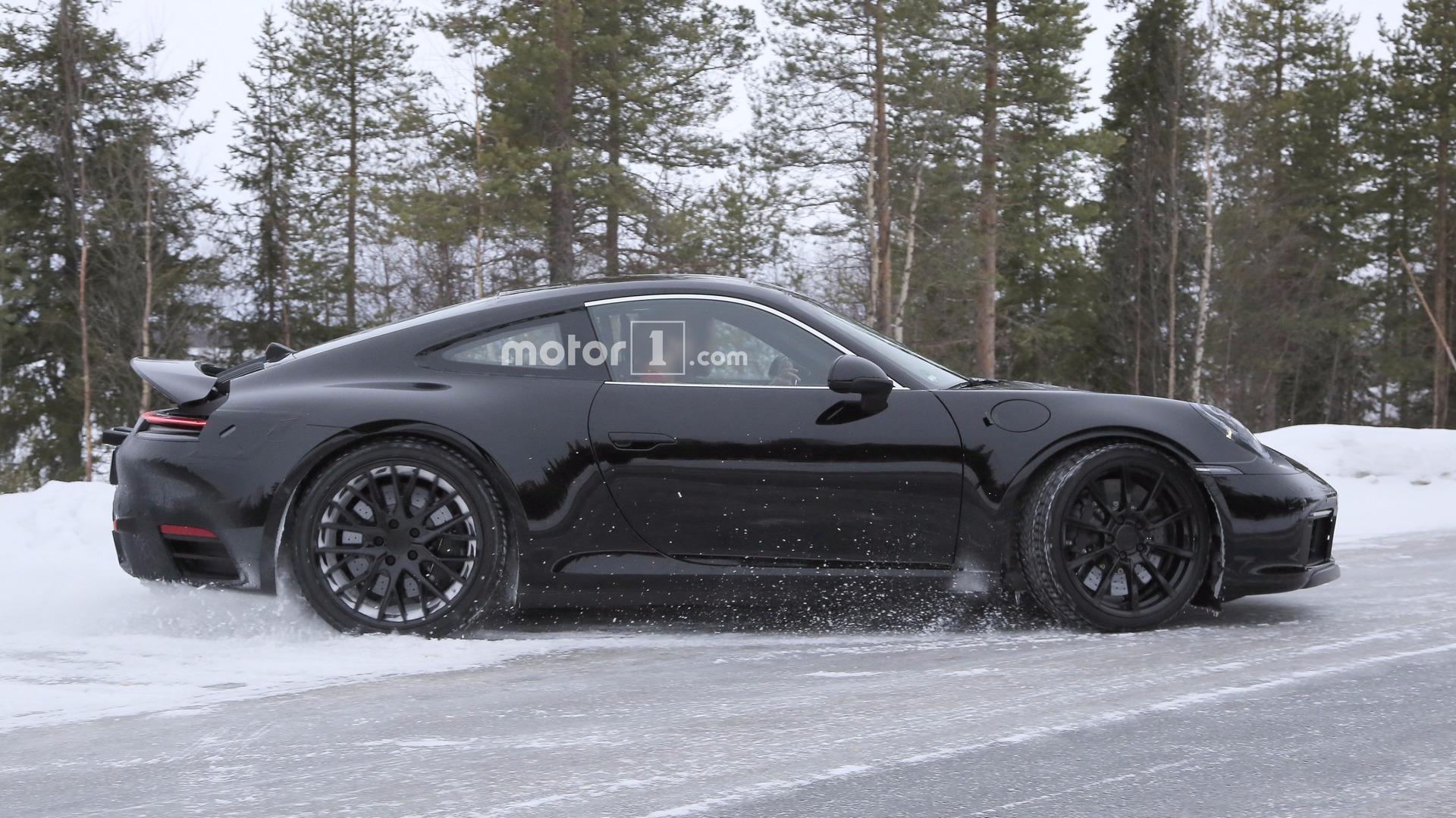 2019 Porsche 911 Turbo S >> 2019 Porsche 911 Spied With Mission E Taillights Update