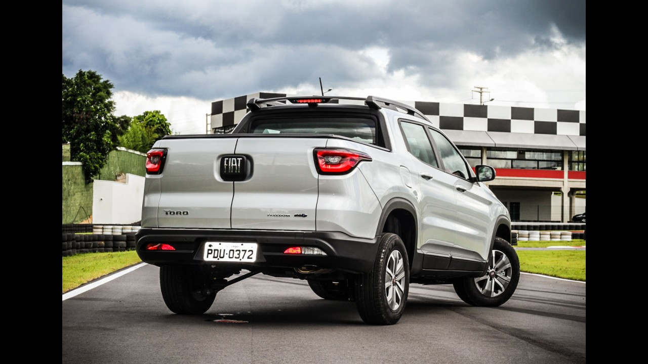 Picapes: Fiat é líder de vendas nas duas categorias com Toro e Strada em abril
