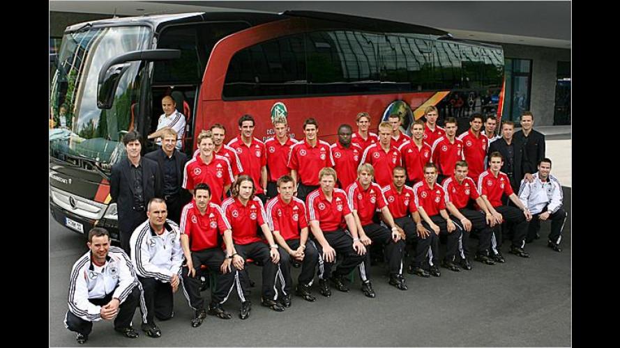 Weltmeisterschaftsfrei: Der neue Mercedes-Mannschaftsbus