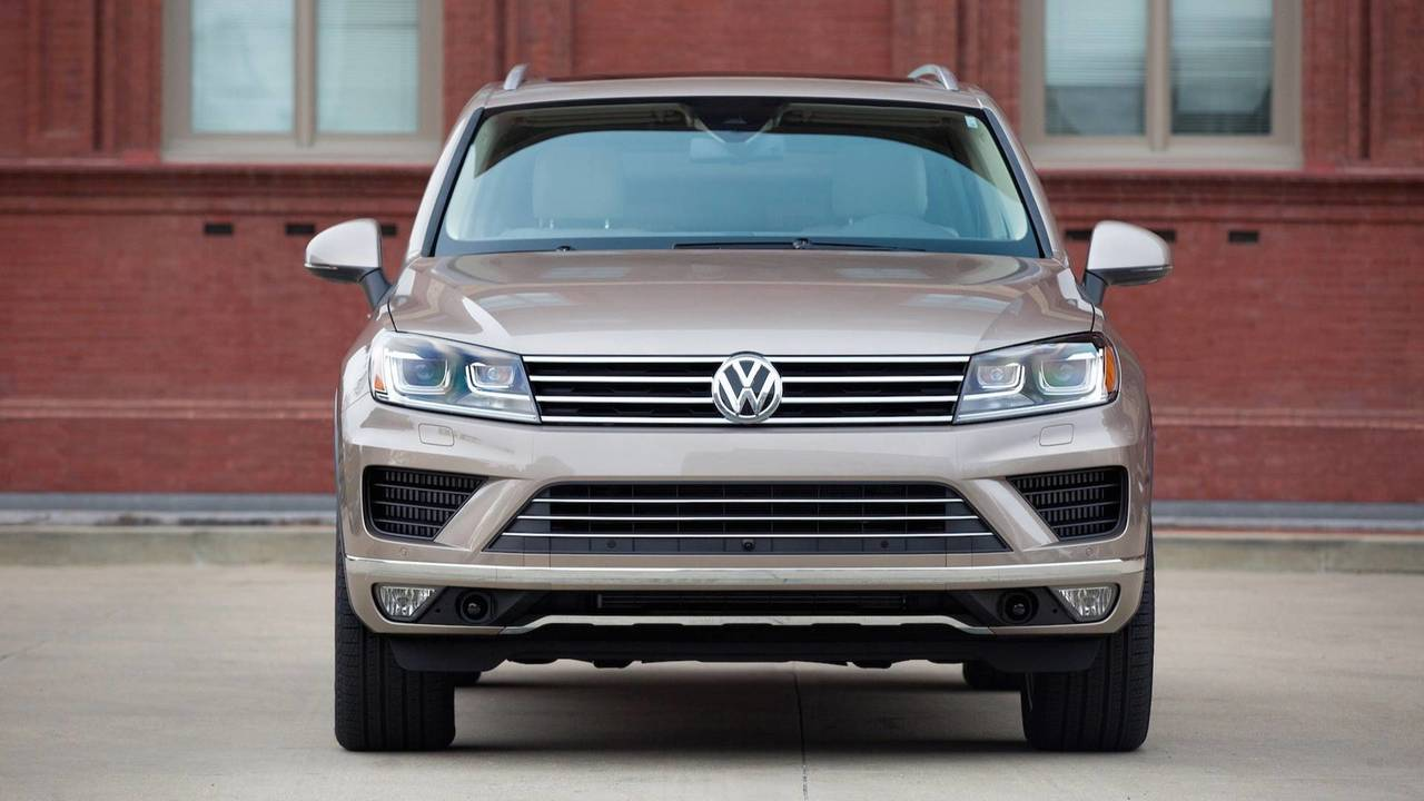 2019 VW Touareg Side By Side