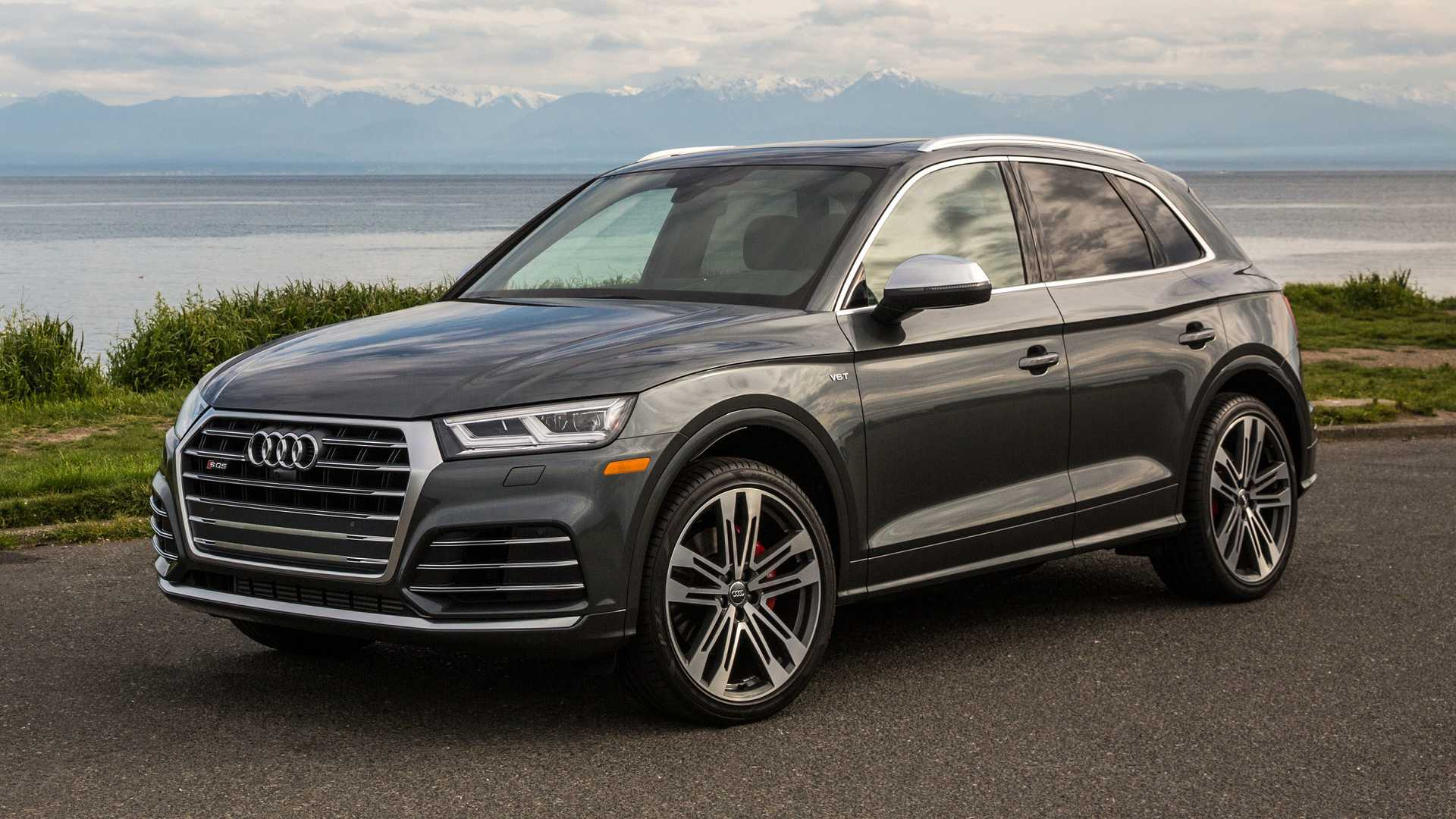 2018 audi sq5 first drive question the need to compromise. Black Bedroom Furniture Sets. Home Design Ideas