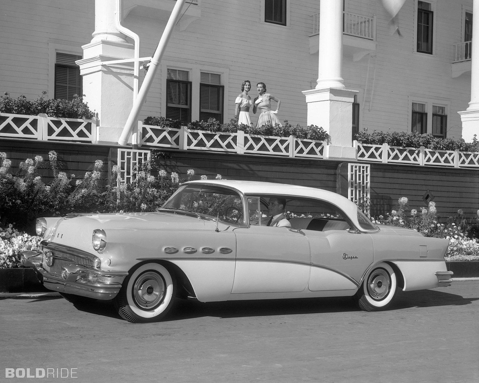 Buick Super Riviera Sedan