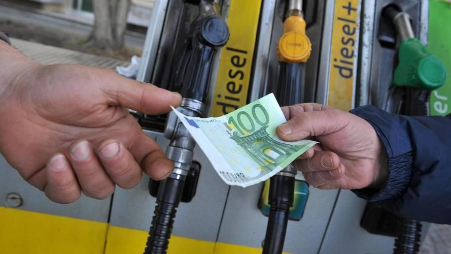 Prezzi benzina e gasolio, tutti i perché dei nuovi rincari