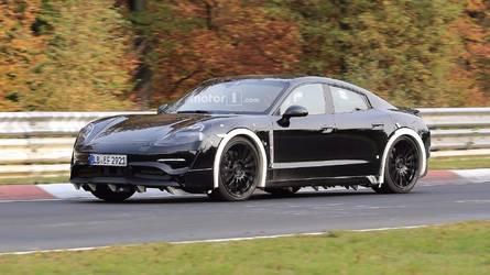 La Porsche Mission E en balade sur le Nürburgring