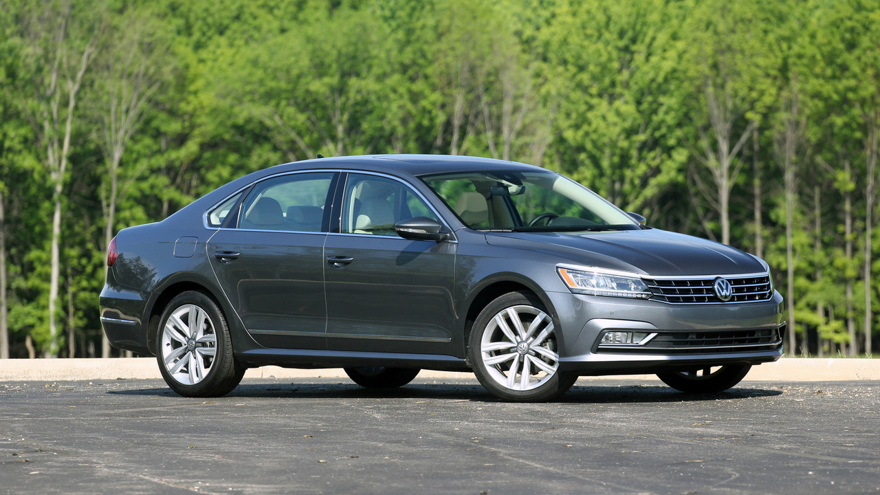 review 2016 volkswagen passat v6. Black Bedroom Furniture Sets. Home Design Ideas