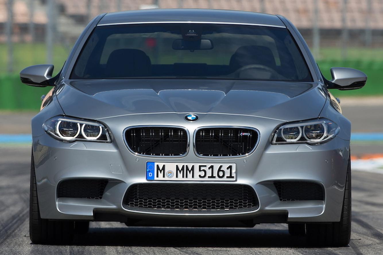 Múlt és jelen: gigagaléria a BMW M5-ről