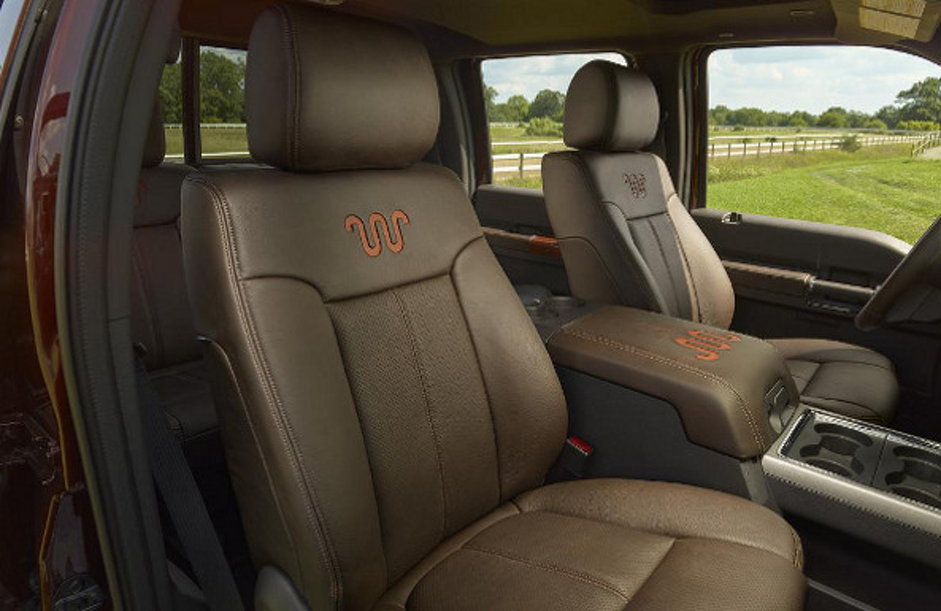 2015 Ford Super Duty: New Turbo, Stronger F-450, Updated King Ranch