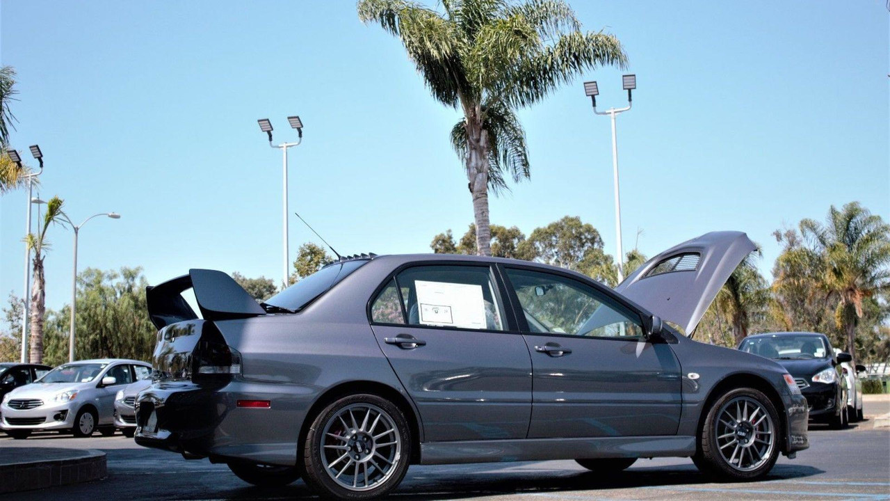 Mitsubishi Lancer Evolution IX MR Baru Ini Dibanderol 100600 USD