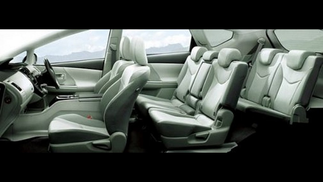Toyota Prius de sete lugares estará em Frankfurt