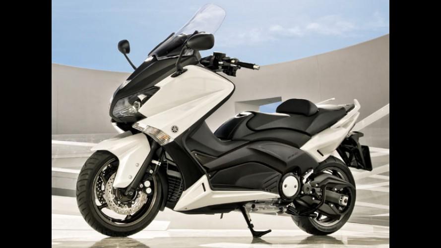 Yamaha confirma maxiscooter T-Max 530 em dezembro por cerca de R$ 40 mil