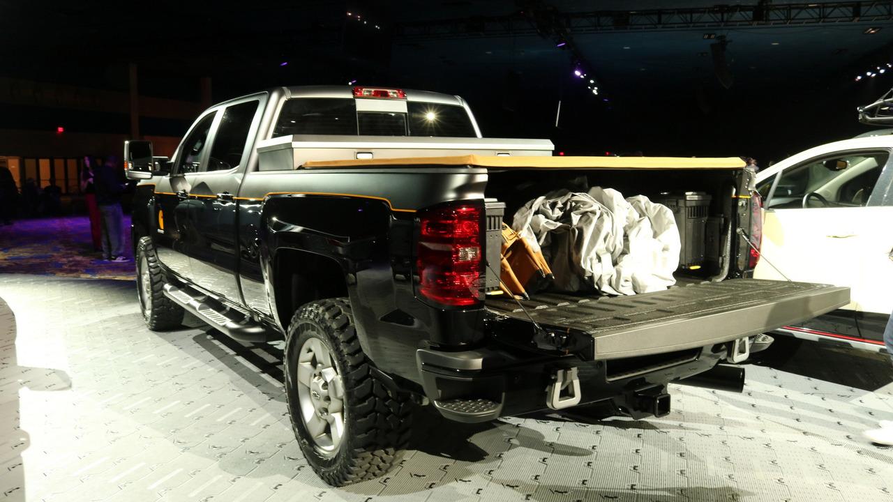 Chevy Silverado Carhartt concept live photo