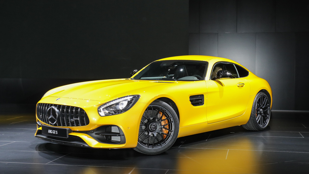 New mercedes amg gt c coupe is the friendlier gt r in detroit for 2017 mercedes benz amg gt msrp