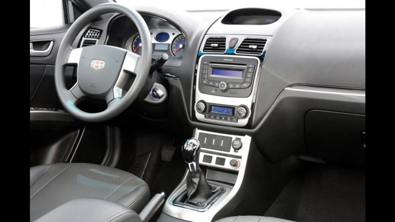 Geely EC7 sofre aumento de preço e volta a custar R$ 49.990