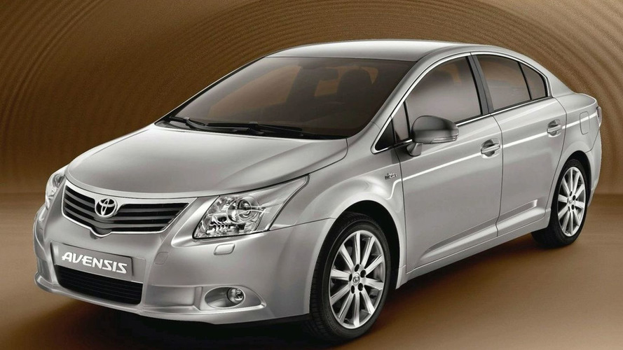 Toyota Releases More Avensis Images: Shows Front End, Wagon & Interior
