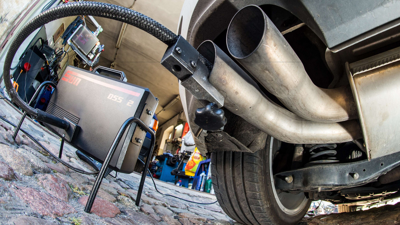 La banque UBS annonce la fin des moteurs au diesel