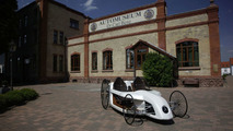 Mercedes-Benz F-CELL Roadster in front of the car museum Dr. Carl Benz in Ladenburg