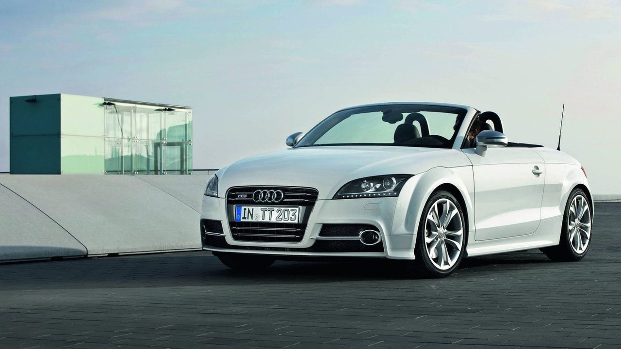 2011 Audi TTS Roadster facelift first photos 08.04.2010