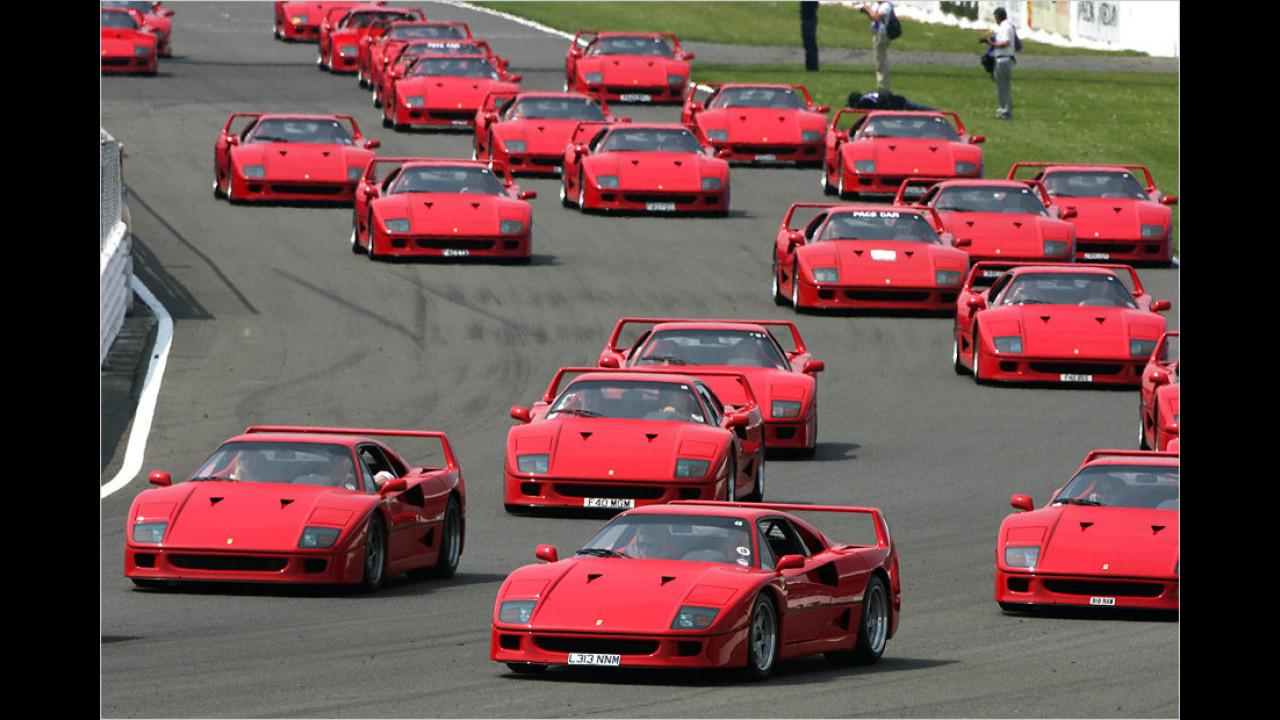 Ferrari F40: 321 km/h